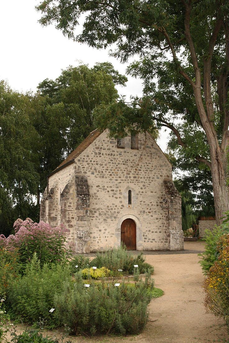Chapelle Saint Blaise .Milly-la-Forêt   décorée par Jean Cocteau. Île-de-France