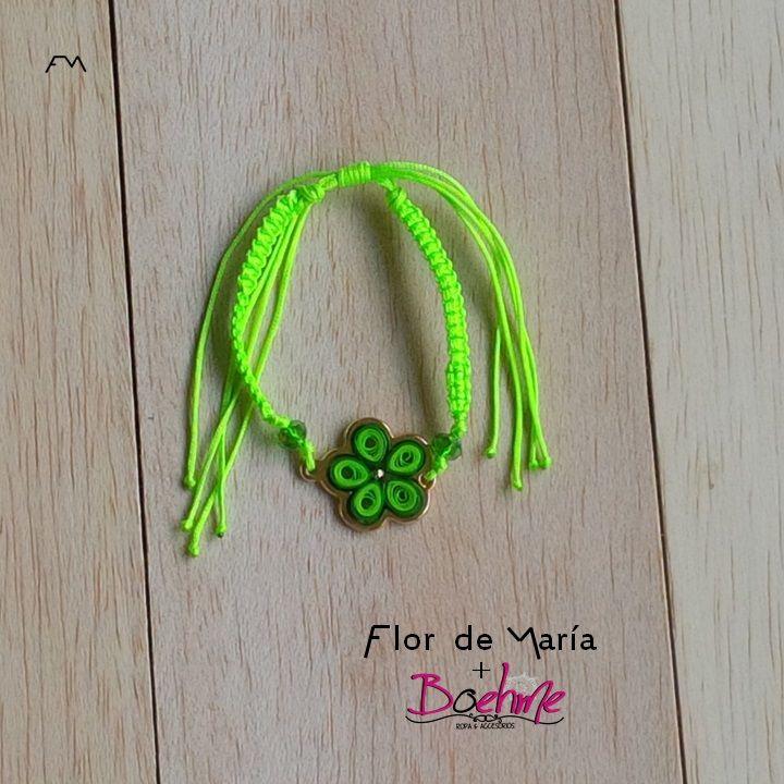 Gold filled flower quilling on a apple green cord bracelet  Pulsera de flor de gold filled montada en quilling y con tejido de cordón color verde manzana  Cod. FM045  Price/Precio:  fmcbdesigns@hotmail.com y boehmemoda@gmail.com   Follow us on / Síguenos en: @fmcbdesigns @boehmemoda   #bracelet #pulsera #fmcbdesigns #boehmemoda #quilling #bisuteria  #jewelry  #caracas #venezuela #hechoamano #handmade