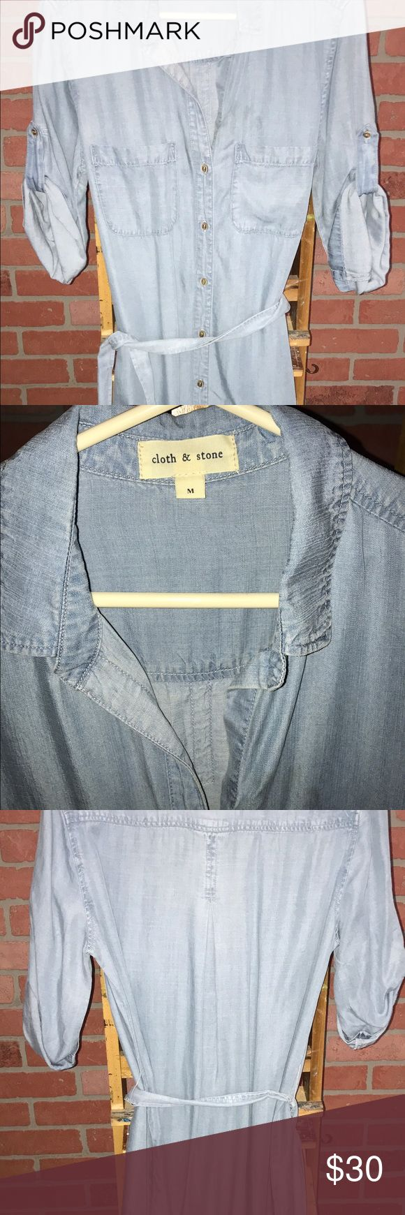 Cloth and Stone chambray dress size M Cloth and Stone chambray dress size medium. This dress is 35 inches from shoulder to hem. Worn once. Perfect condition cloth and Stone Dresses Long Sleeve