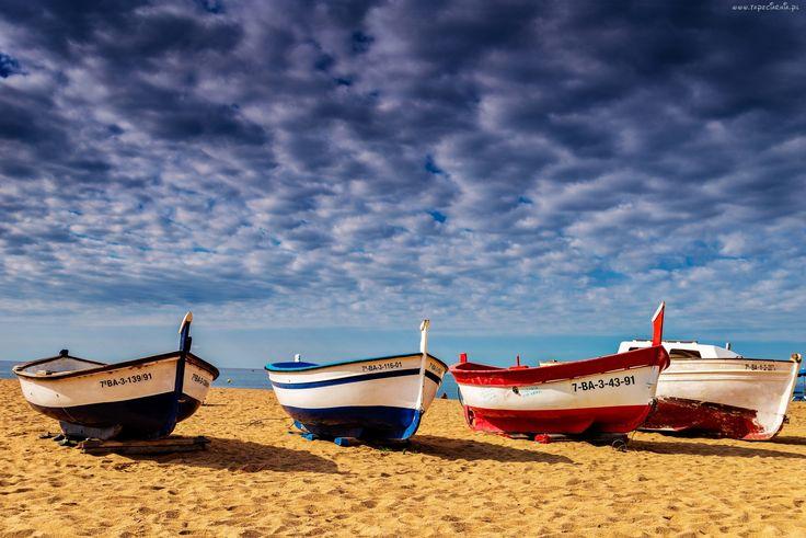 Plaża, Łódki, Chmury