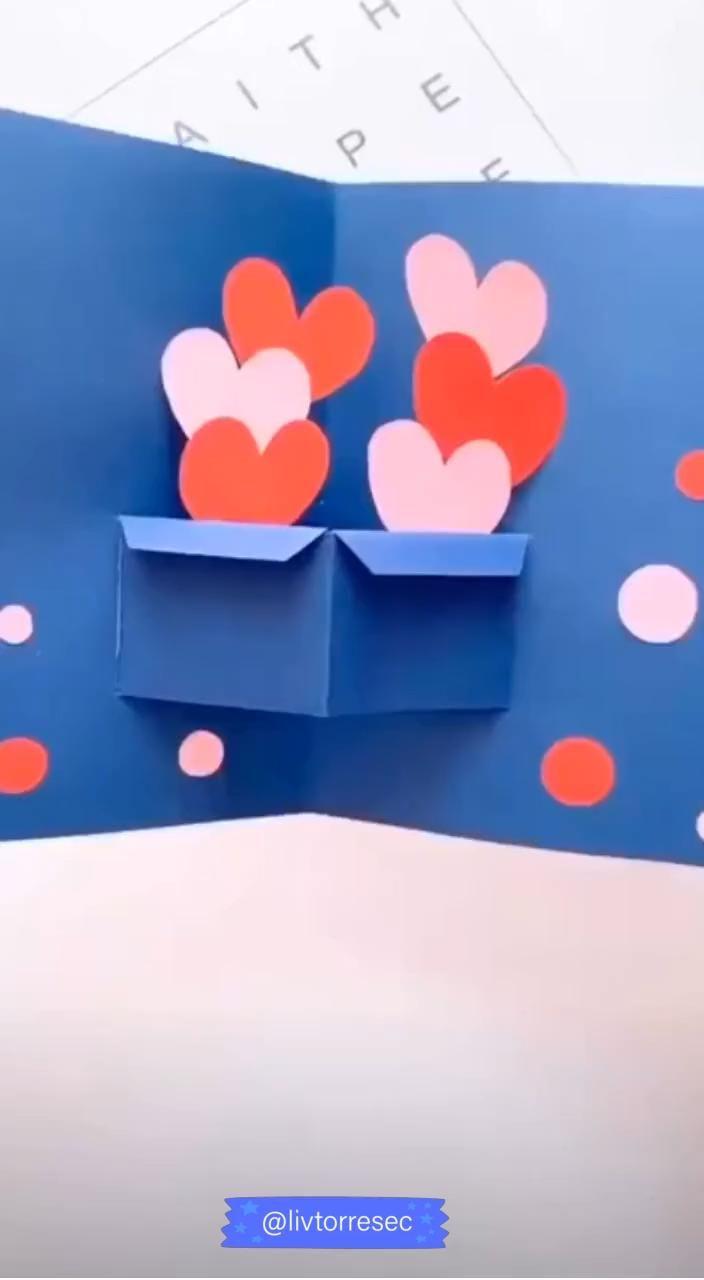 POSTAL PARA EL DIA DE SAN VALENTIN #decoracion #ideas #manualidades #niños #niñas #SANVALENTIN #postal #tarjeta #amor #love #diy #manualidad #papel #cartulina Diy Crafts Hacks, Diy Crafts For Gifts, Easy Diy Crafts, Diy Crafts Videos, Fun Crafts, Diy Gifts For Mom, Diy Videos, Handmade Crafts, Cool Paper Crafts