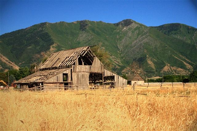 This cite lists Utah's best photo shoot locations!!