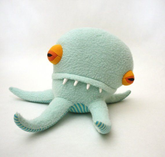Peter Pentapod Monster by Cotton Monster  Not only do I love this guy, I love the color combo!