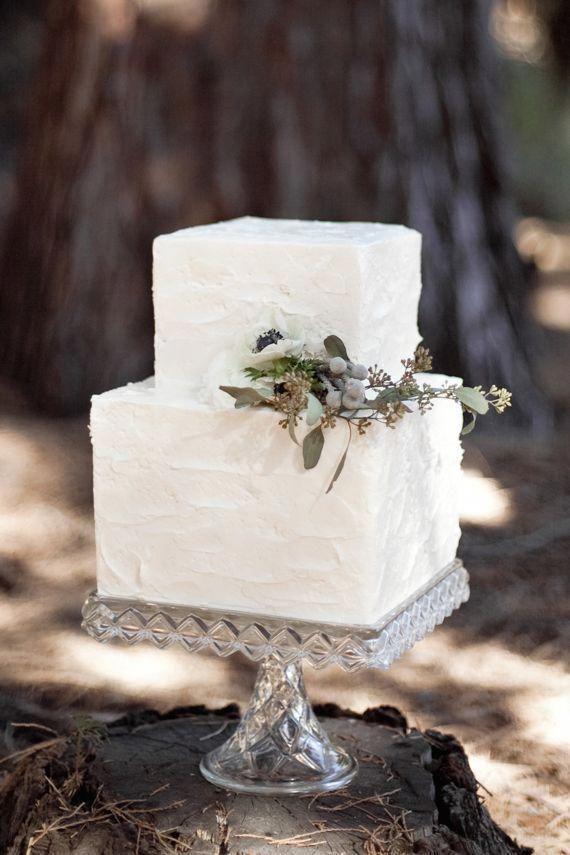 Small Winter Wedding Cake Simple And Elegant