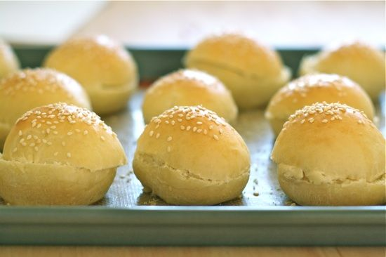 Homemade Mini Hamburger Buns..the day is coming. I'm going to HAVE to start making my own bread for sliders. This one looks awesome.