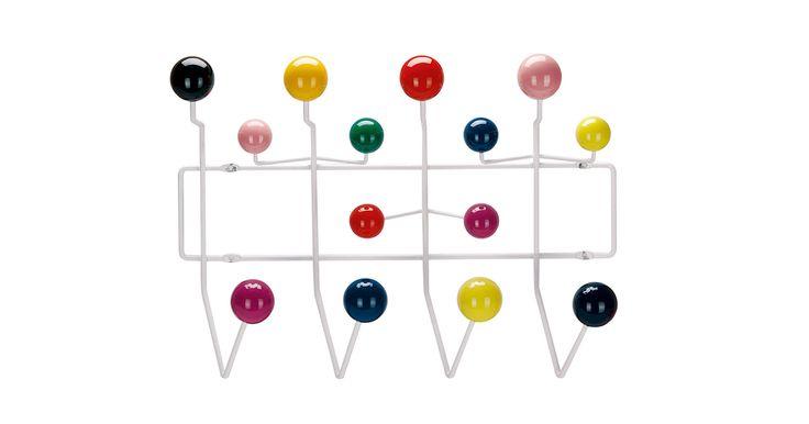 Hang it All knagerækken fra Vitra blev designet af ægteparret Charles & Ray Eames helt tilbage i 1953.