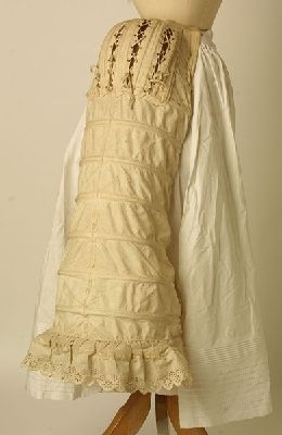 Bustle 1884, British, Made of poplin, lace, cotton, and silk