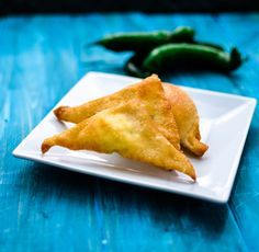 A spicy yet sweet appetizer for your next party try these Jalapeno Wonton Poppers. Jalapeno poppers made with wonton wrappers delivers on both sweet and spicy flavors. Wonton recipes always make great crowd pleasing appetizers!