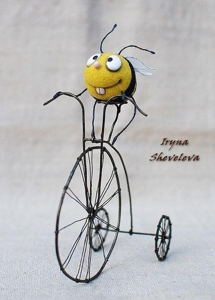 Игрушки животные, ручной работы. Ярмарка Мастеров - ручная работа. Купить Пчёл и лисапед.. Handmade. Жёлтый, полосатый, игрушка из шерсти