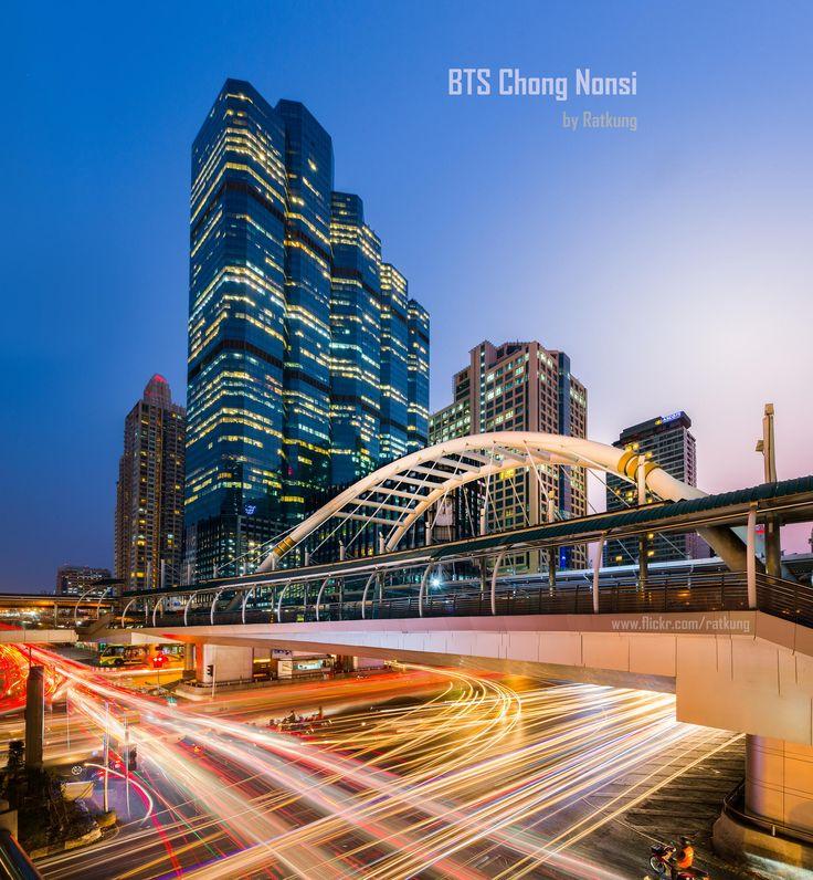 Chong Nonsi BTS Station