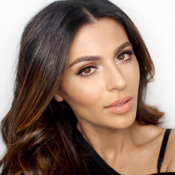 Usa las tres técnicas de maquillaje, contouring, highlighting y baking para un acabado profesional en tu makeup. ¡Aprende cómo aquí!