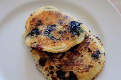 Oatmeal Blueberry Protein Pancakes!! Yummm :)