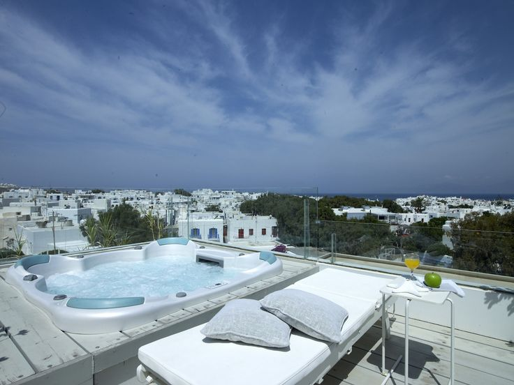 Enjoy a nice massage, then a dip in the jacuzzi with a healthy fruit juice in hand and absorb the endless view from the highest levels of the hotel. It is so good to be here! http://www.semelihotel.gr/accommodation/superior-double-sea-view-spa-rooms-mykonos/  #Semeli #SemeliHotel #Mykonos #Jacuzzi #View