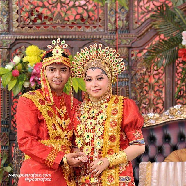 #Foto #Pengantin #Pernikahan dg #BajuBodo #Perkawinan Adat #Bugis Azhar+Distya #Wedding di #Pekanbaru #Riau, http://wedding.poetrafoto.com