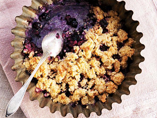 Smulpaj med chiafrön, granatäpple och björnbär (kock Emelie Holm)