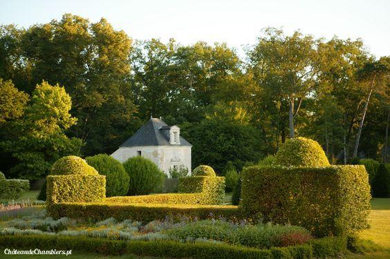 Notre suite, le Pavillon de France, vous accueille été comme hiver.   Le charme incarné !