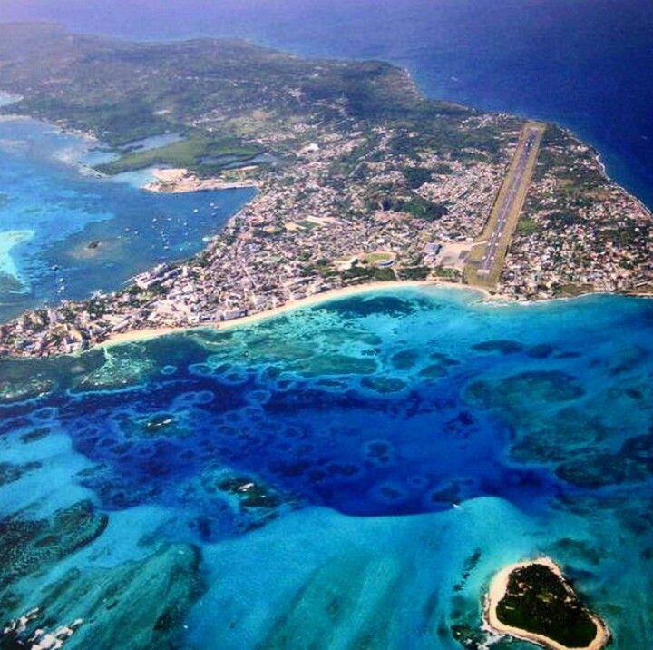 A punto de aterrizar en San Andres, Providencia and Santa Catalina Islands - COLOMBIA