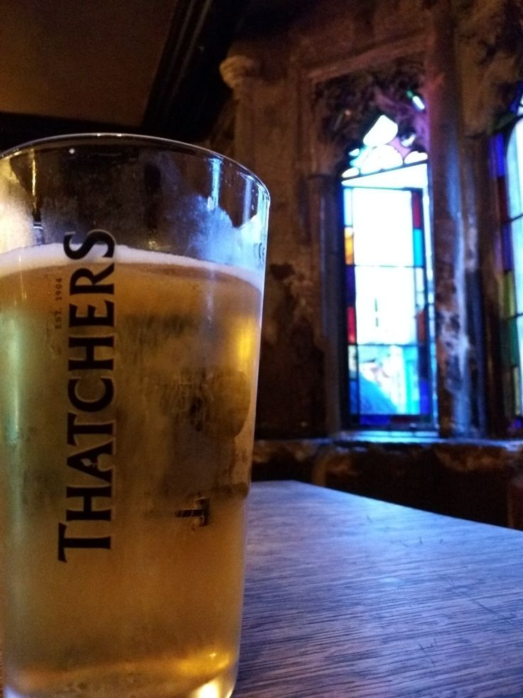 Thatchers Gold in the oldest Inn of. Glastonbury. You can't beat its freshness and crispness after 9hrs of driving in English countryside. Underserved 5/5 cuz I was desperate for a break