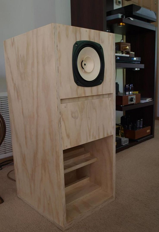 Fostex FE206En Back-Loaded Horn Loudspeaker Enclosure