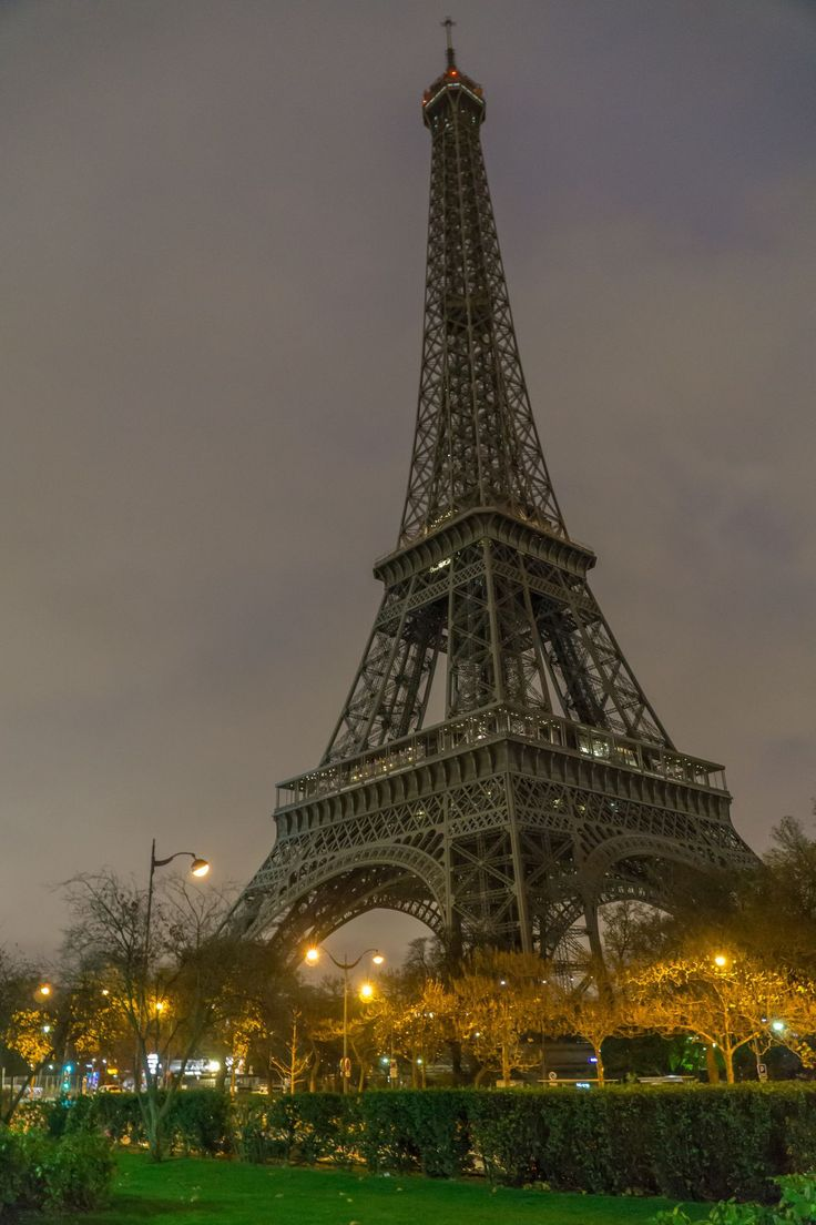 You like the Eiffel Tower? Make it bigger and try to win free tickets or VIP Pass to visit the most famous French monument.