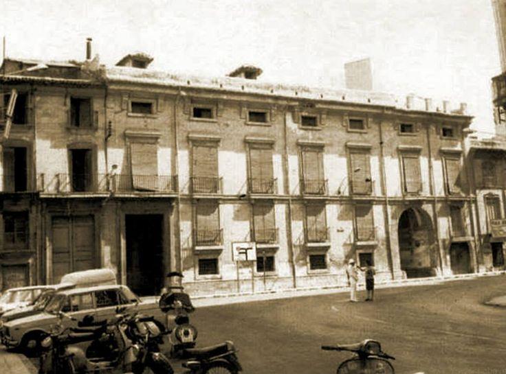 palacio Conde de Floridablanca, hoy converido en el Hotel Arco de San Juan.Murcia