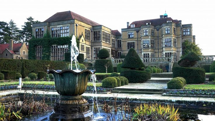 Download this free photo here www.picmelon.com #freestockphoto #freephoto #freebie /// Palace Garden with Fountain   picmelon