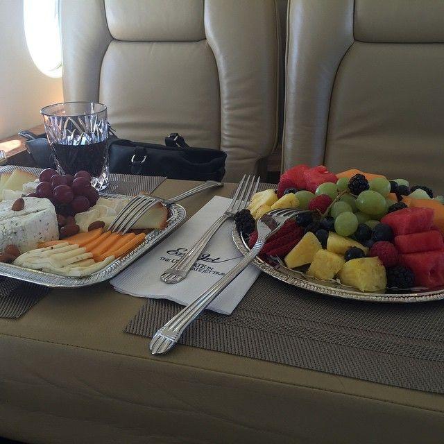 snacks on the Talk Fusion jet #instantpay #onlinemoney #millionairelifestyle http://1264889.jointalkfusion.com