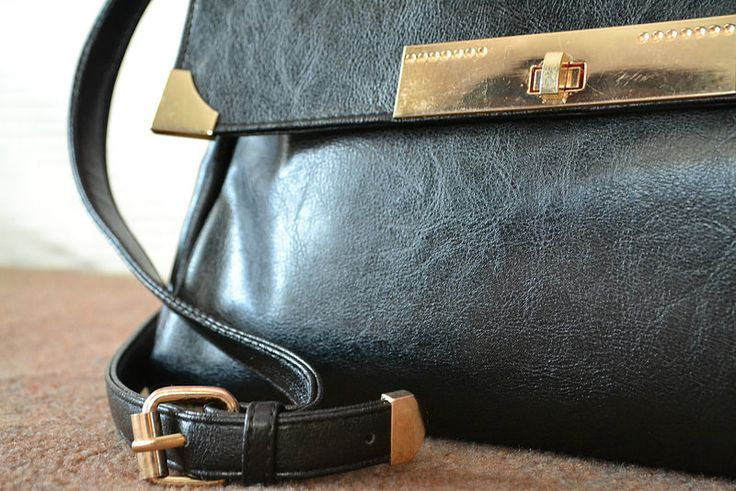 everyday vintage-like bag in black leather with golden details from justfor5pounds.com