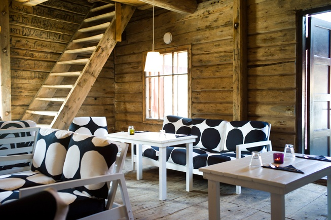 Johans: Summer restaurant in Porvoo.  Situated in the beautiful old town by the river.  Open only during summer.