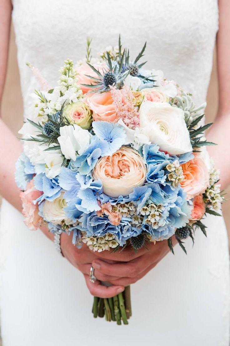 Brautstrauß Mit Blauen Disteln In 2020 Blumenstrauß