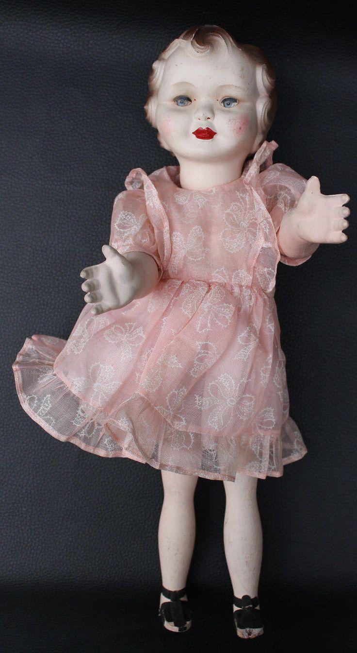 Poupée Gégé Lisette, marcheuse , tête et bras terre de pipe. Robe en organdi et sandalettes. Hauteur 40cm environ
