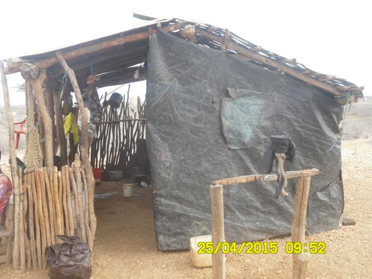 Una cocina Wayuu, ellos la tienen separada de su lugar de habitación, nosotros los civilizados nos contaminamos y la tenemos cerca del baño