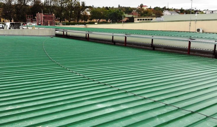 walkway and roof installed with #Kliplok 700 Metal Sheeting to ensure the roof is leak free #colorbond #paramountroofing