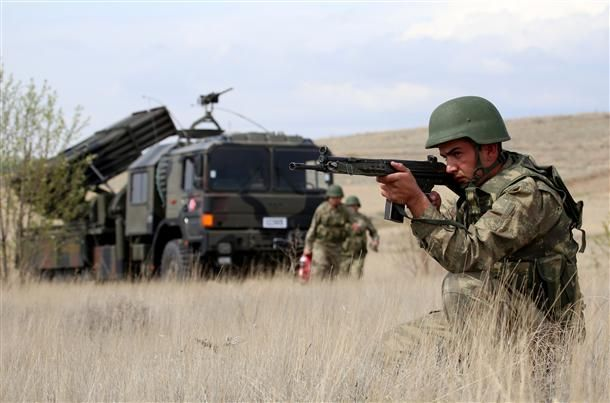Secret weapons of Turkish army: locally produced rocket launchers, missile systems
