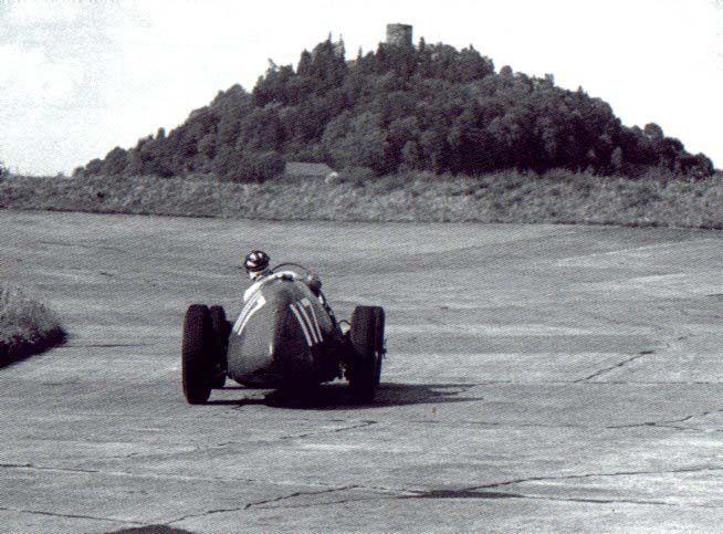 #117 Rudi Fischer (D) - Ferrari 500 (Ferrari 4) 3 (6) Ecurie Espadon