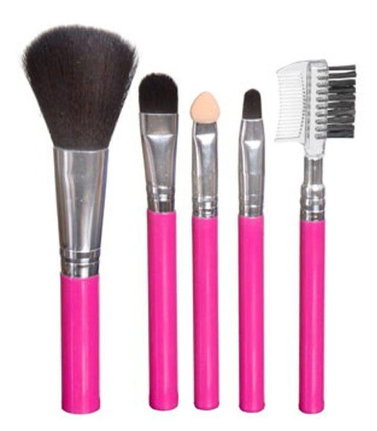 Το Royal Functionality 5 Piece Brush Set είναι ένα μίνι σετ πινέλων, σε funky ροζ απόχρωση, που είναι ιδανικό για να το έχετε πάντα μέσα στην τσάντα σας! Περιέχει πινέλο πούδρας/ρουζ, δύο πινέλα σκιών, πινέλο χειλιών και χτένα φρυδιών/βλεφαρίδων.