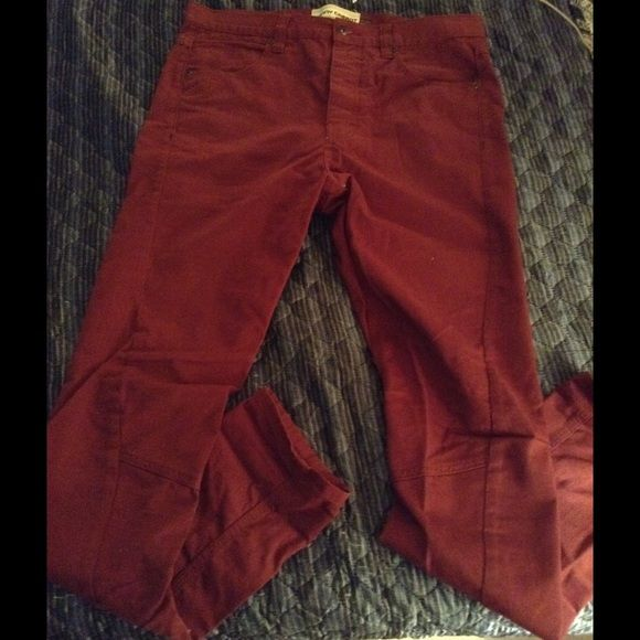 Men's Topman jeans size 32 long. For sale are a pair of TopMan pants size 32 long. They are in excellent condition. Price firm. TopMan Jeans