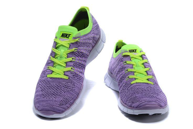 http://www.saifqatar.com/Nike-Free-Flyknit-NSW-Lilla-8422/   Ultralett fleksibilitet Nike Free Flyknit 5.0 fortsetter Flyknit-tradisjonen med en vevd overside som gir optimal ventilasjon og lettvektskomfort ved hvert steg. Flywire-kabler gir støtte uten ekstra vekt, mens den fleksible Nike Free-sålen gir deg en naturlig følelse på en hvilken som helst distanse.