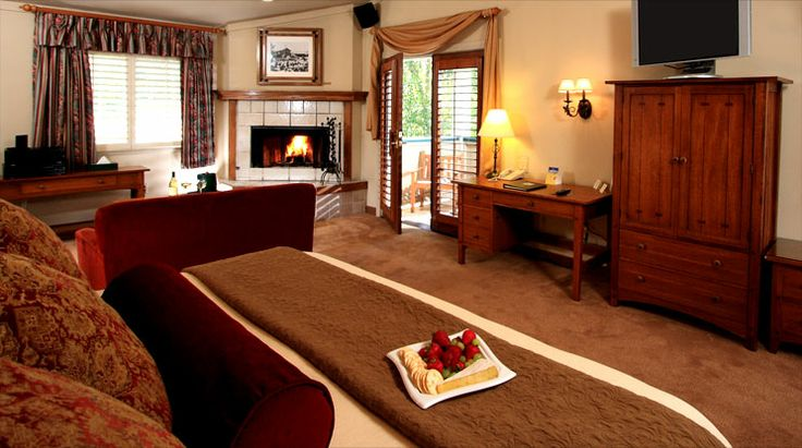 BEST WESTERN PLUS Sonoma Valley Inn provides comfort and convenience to wine country visitors seeking best places to stay like resorts, inn, Luxury Accommodation, lodging nearby Sonoma Country, Napa Valley, San Francisco in Northern California