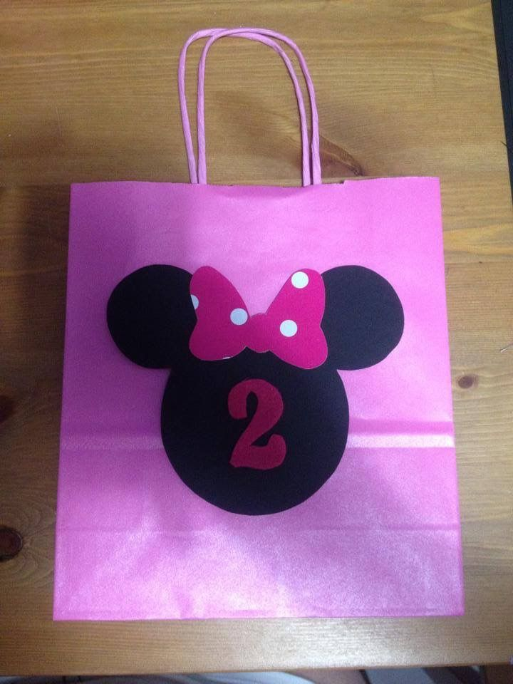 Paper pink gift bag for Minnie party