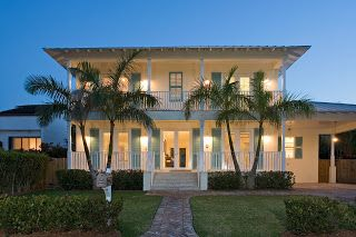 tropical plantation style homes
