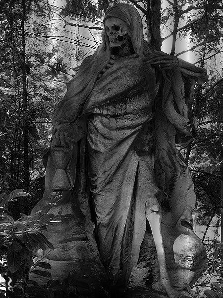 Der Sensemann2 (Grim Reaper) - Melaten Cemetery Cologne ...