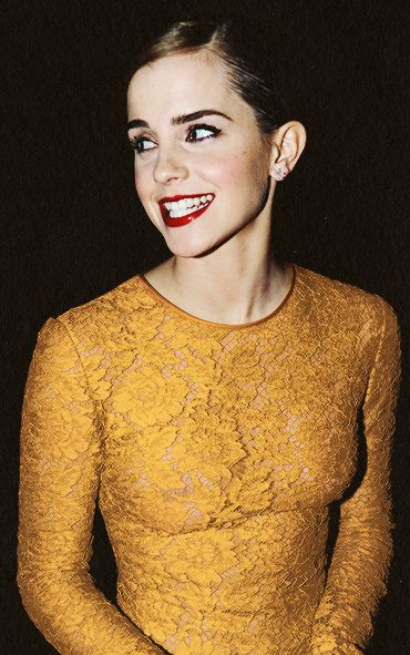 Emma Watson. Oh yes. I've started to like that shorter hair as I'm slowly gettin bored in my own hair ;)