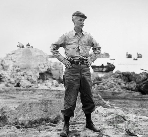 17 Best Images About Fashion Monitor Journalism Awards: 17 Best Images About Ernie Pyle -WW2 Correspondent On