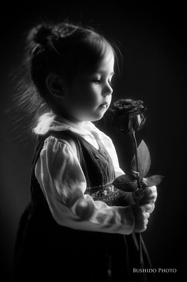 Photo s white photography precious children portraits black white life posts vintage pictures pretty pictures