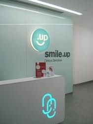 Resultado de imagem para Interior Design Clinica Dental Barcelona