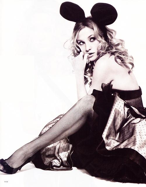 Kate Hudson representing Disney = perfection.