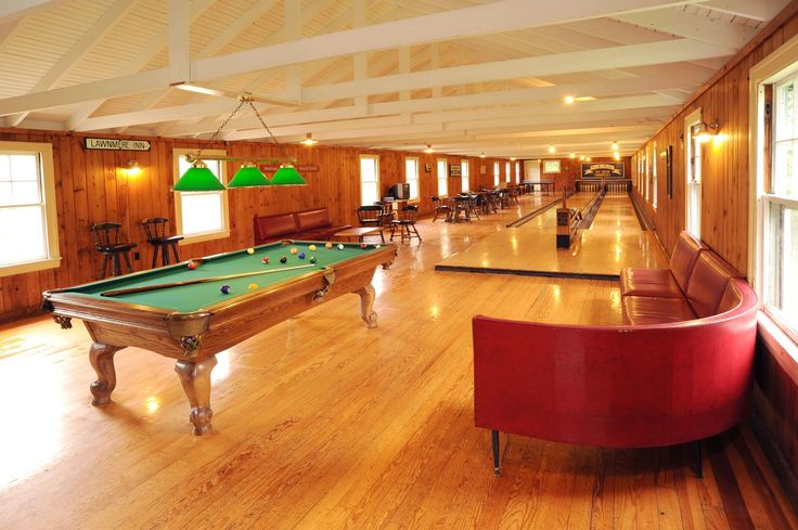 Newagen Seaside Inn has plenty of fun Boothbay Harbor activities at the inn for the whole family such as a bowling, billiards, swimming and more.
