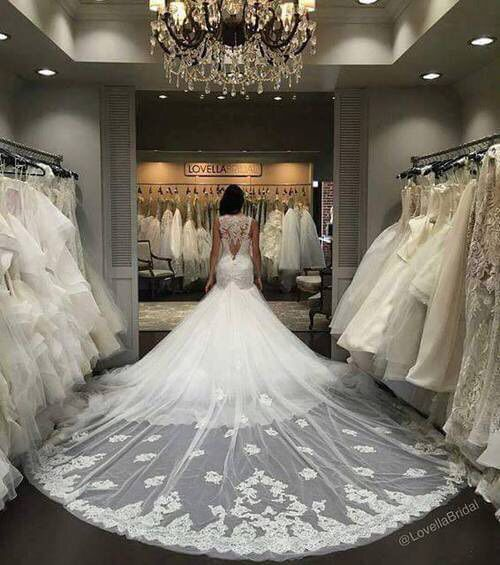 20 Most Perfect Bridal Gowns This Year: Best 25+ Wedding Dress Train Ideas On Pinterest