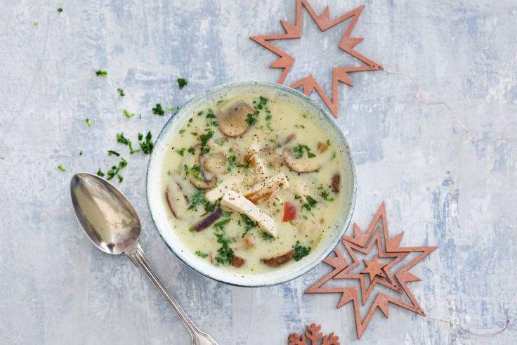 Een champignonsoep en kippensoep in 1. Heerlijk romig! - Recept - Allerhande